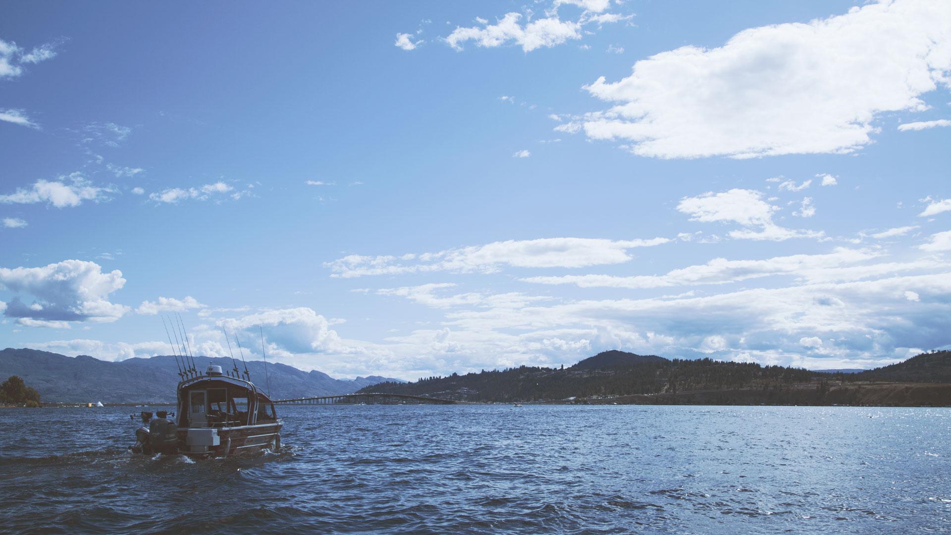 kelowna-boating
